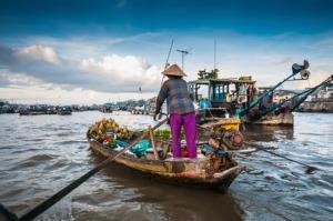 שוק צף קאן תאו בנהר המקונג בויאטנם