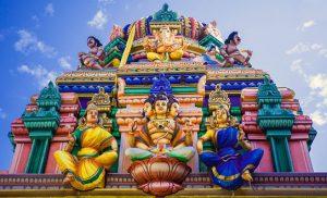 מקדש הינדו צבעוני בסרי לנקה