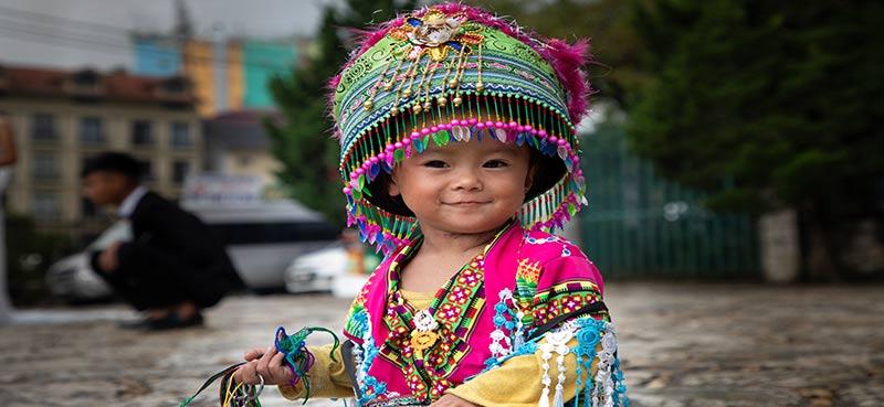 ילדה משבט ההמונג בווייטנאם