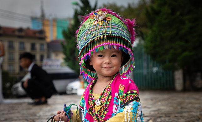 HMONG TRIBE GIRL SAPA VIETNAM