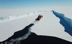 שוברת קרח במפרץ הבוטני בשבדיה